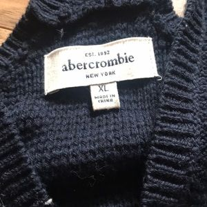 Abercrombie & Fitch Tops - Abercrombie vest / shall